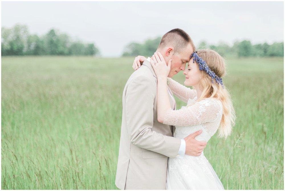 barn-at-the-backwoods-thornville-ohio-wedding-photographer-79.jpg