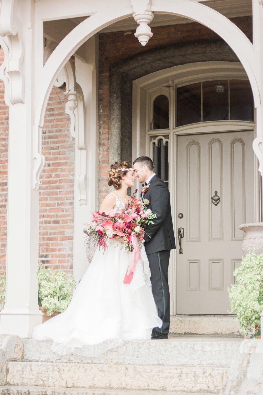 taylor-mansion-columbus-ohio-wedding-editorial-5.jpg