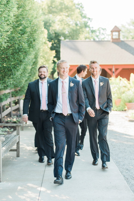 wells-barn-wedding-at-franklin-park-conservatory-26.jpg