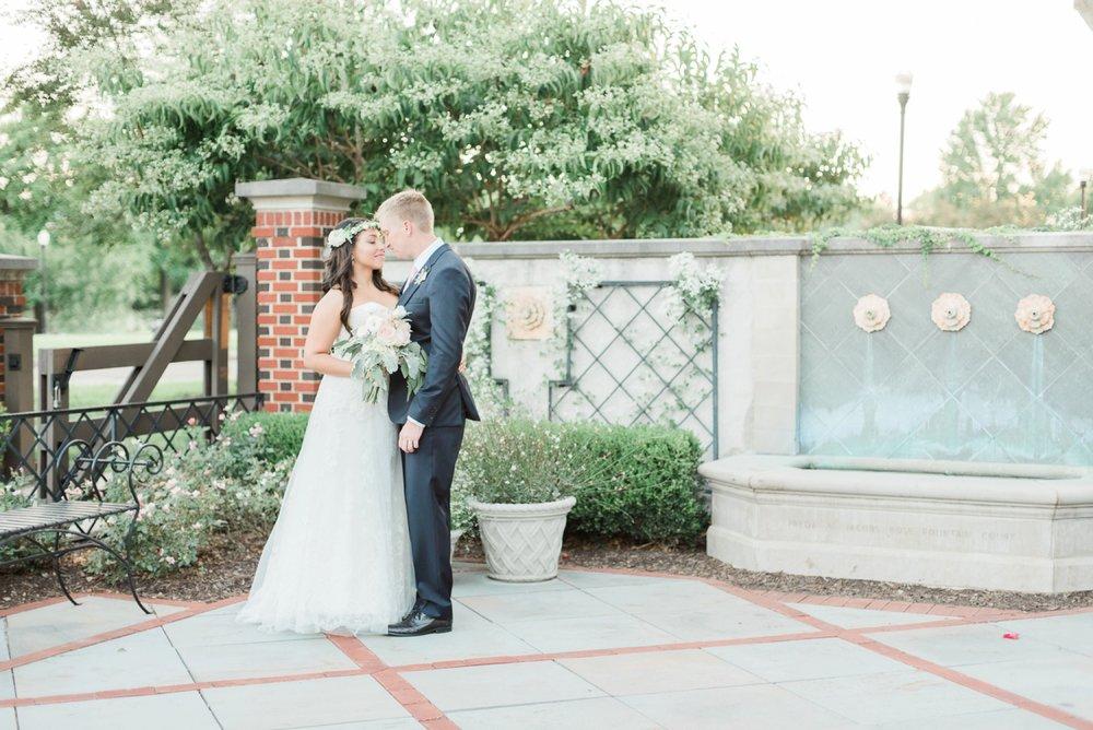 wells-barn-wedding-at-franklin-park-conservatory-112.jpg