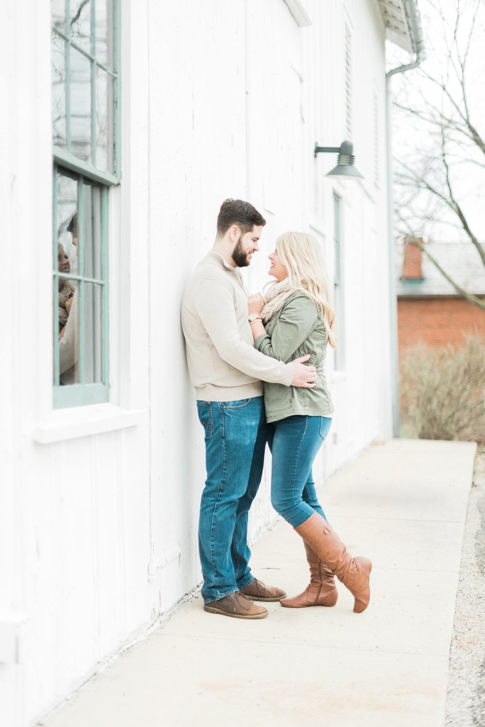 everal-barn-homestead-westerville-ohio-engagement-13.jpg