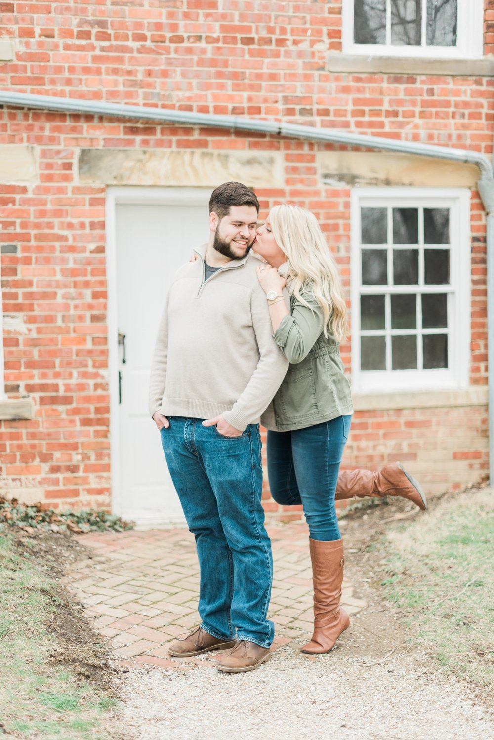 everal-barn-homestead-westerville-ohio-engagement-19.jpg