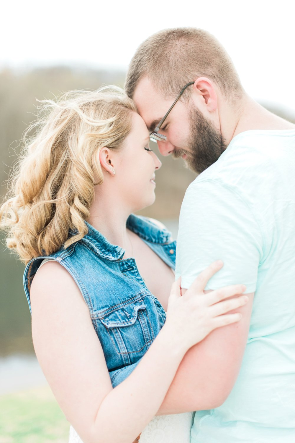 alley-park-lancaster-ohio-engagement-session-9.jpg