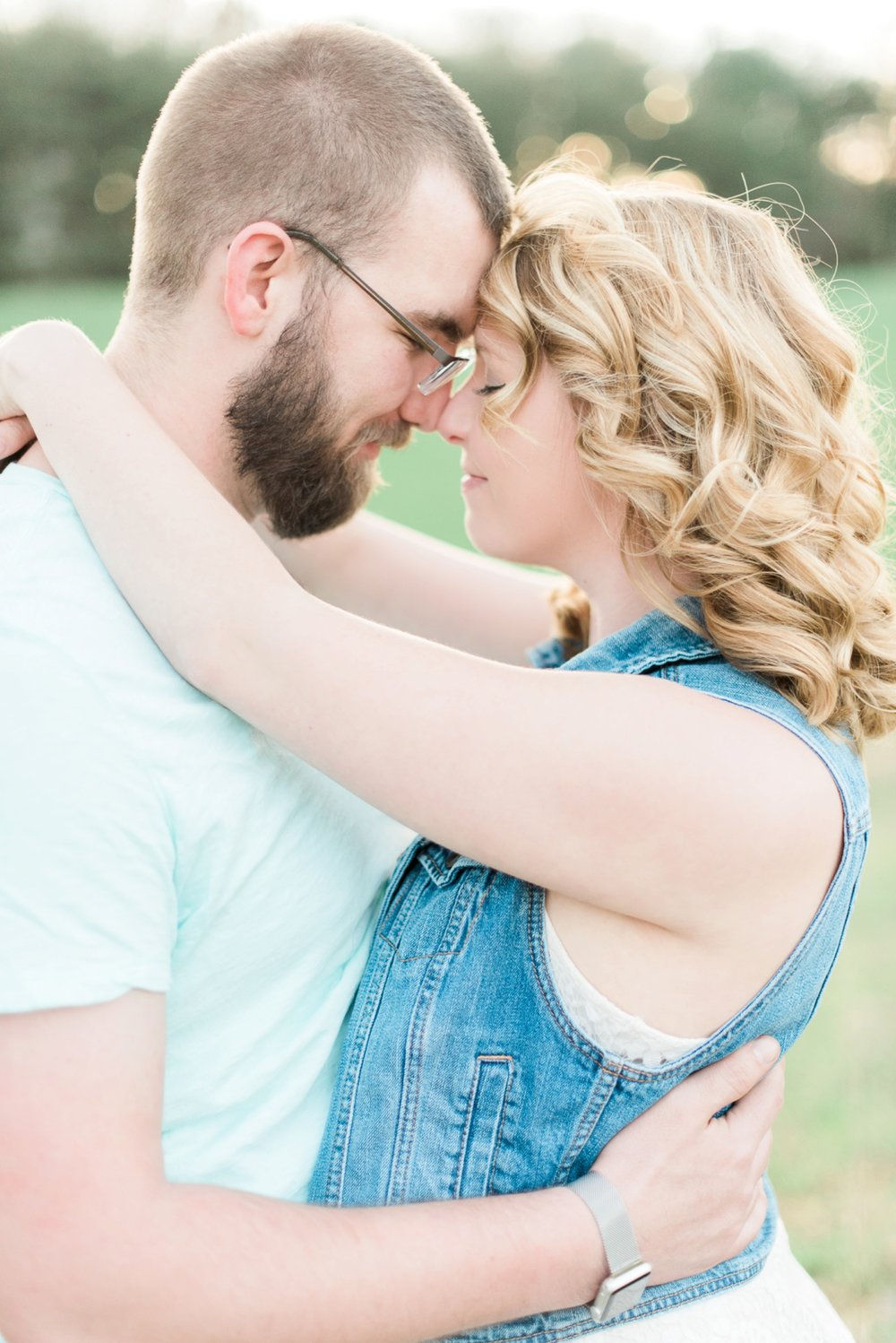 alley-park-lancaster-ohio-engagement-session-26.jpg