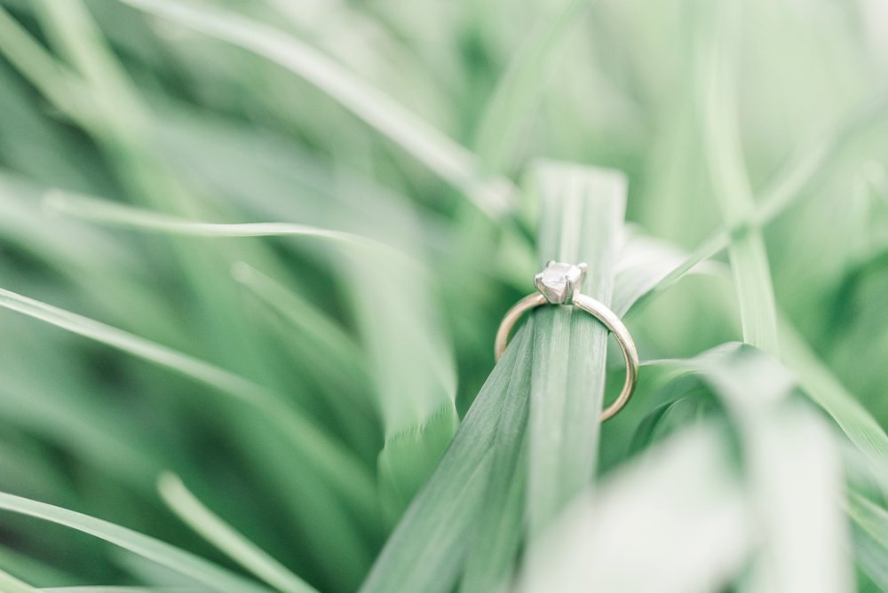 german-village-engagement-session-columbus-ohio-wedding-photographer-36.jpg