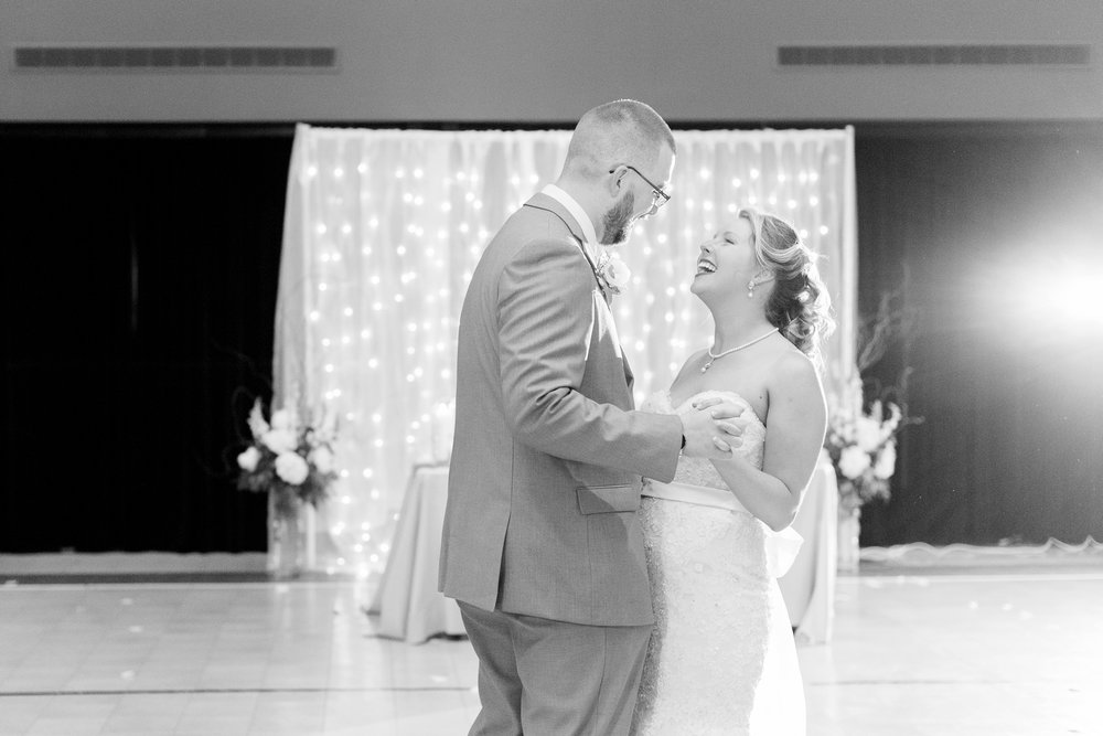 bryn-du-mansion-fieldhouse-wedding-granville-ohio-photographer_0004.jpg