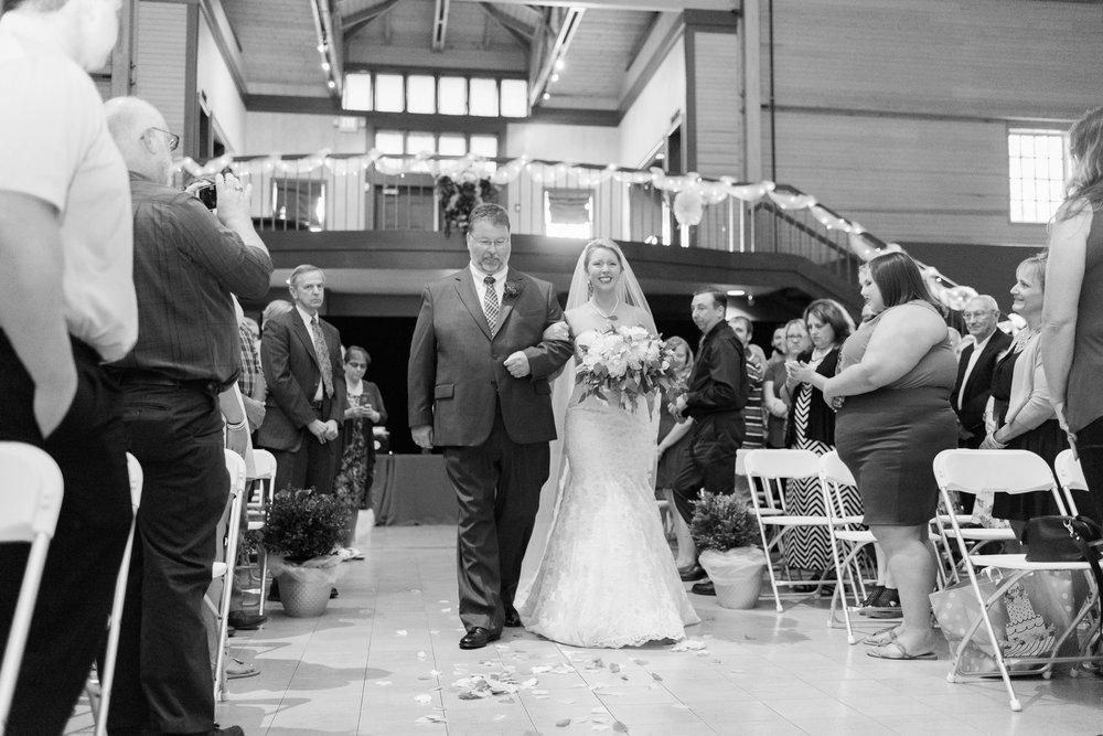 bryn-du-mansion-fieldhouse-wedding-granville-ohio-photographer_0080.jpg