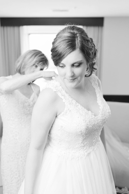 via-vecchia-winery-wedding-columbus-ohio_0016.jpg