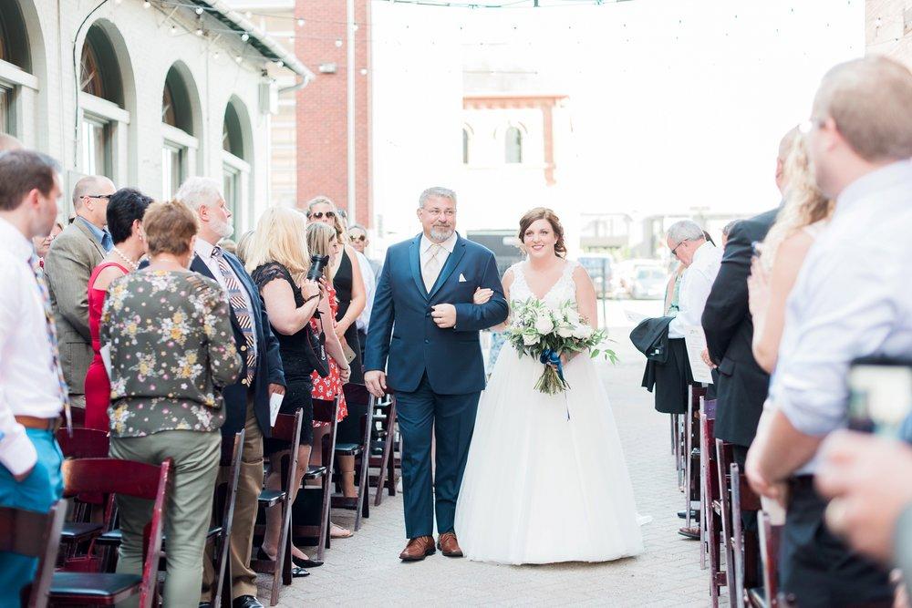 via-vecchia-winery-wedding-columbus-ohio_0103.jpg