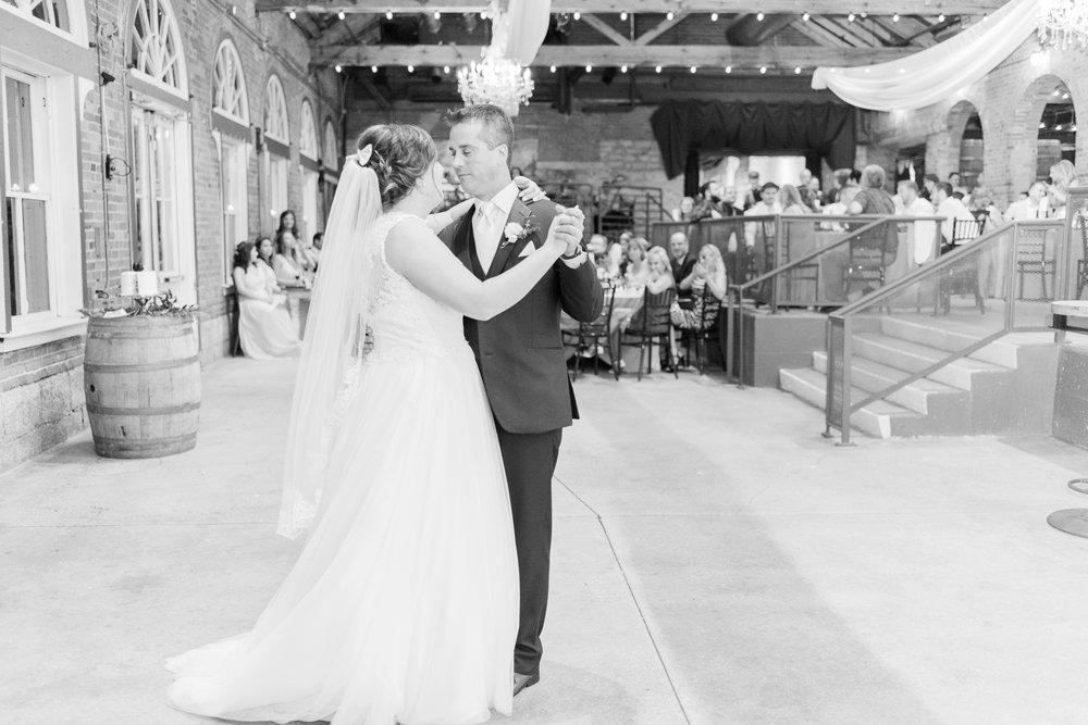 via-vecchia-winery-wedding-columbus-ohio_0155.jpg
