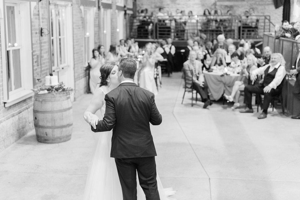 via-vecchia-winery-wedding-columbus-ohio_0158.jpg