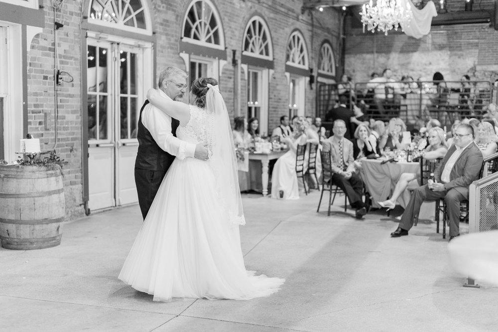 via-vecchia-winery-wedding-columbus-ohio_0159.jpg