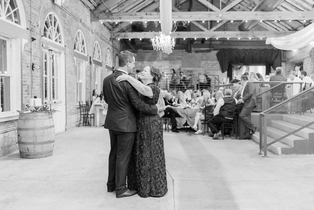 via-vecchia-winery-wedding-columbus-ohio_0161.jpg