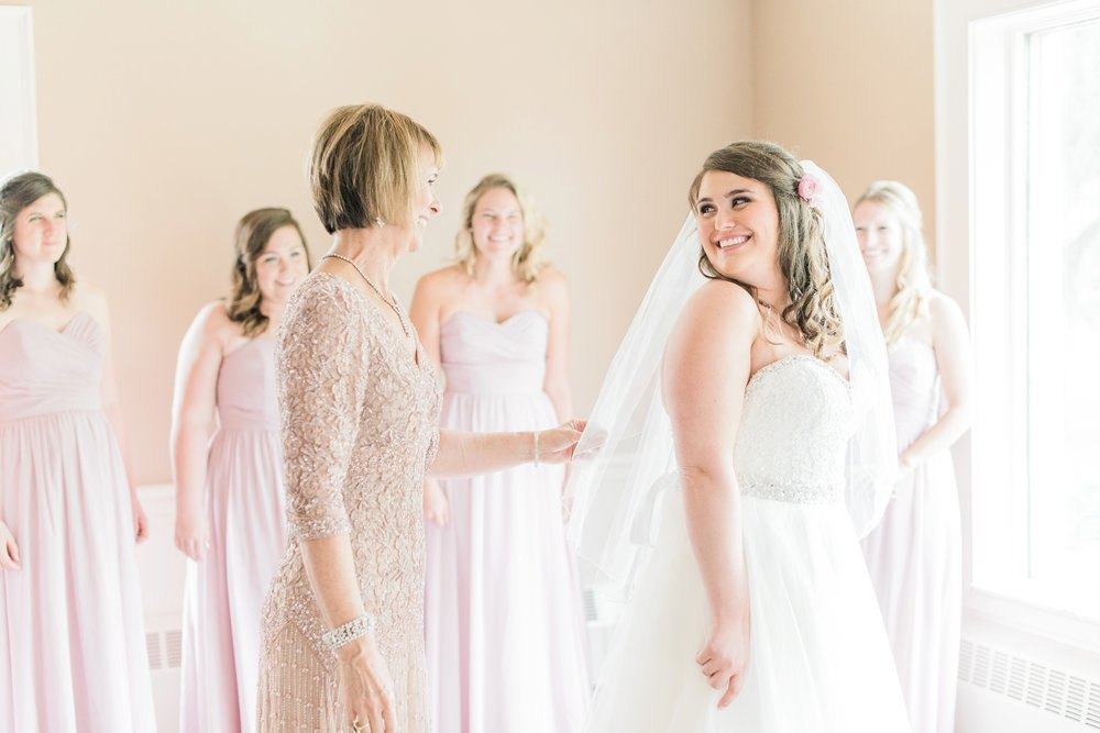 worthington-hills-country-club-wedding-columbus-ohio-meg-evan_0017.jpg