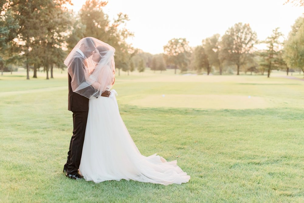 worthington-hills-country-club-wedding-columbus-ohio-meg-evan_0121.jpg