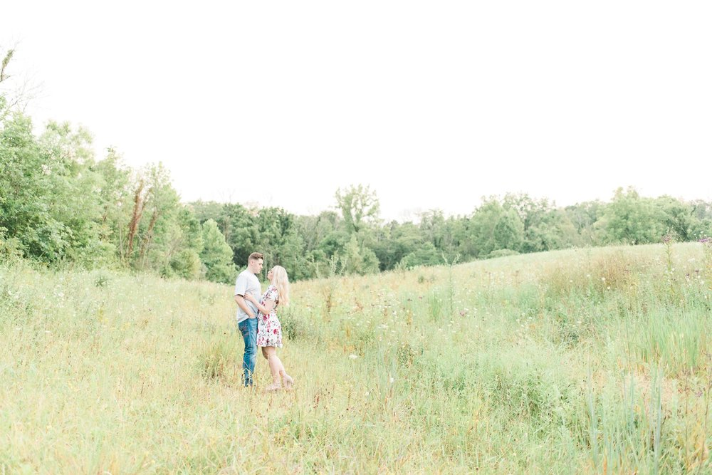 slate-run-metro-park-engagement-columbus-wedding-photographer-117.jpg