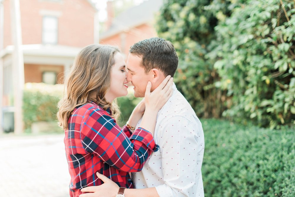 downtown-columbus-german-village-engagement-session-4.jpg