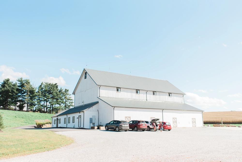 blessings-farmstead-wedding-lancaster-ohio-whitney-colby_0077.jpg