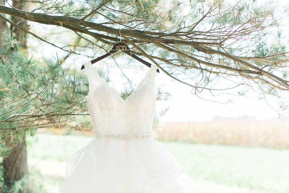 blessings-farmstead-wedding-lancaster-ohio-whitney-colby_0079.jpg