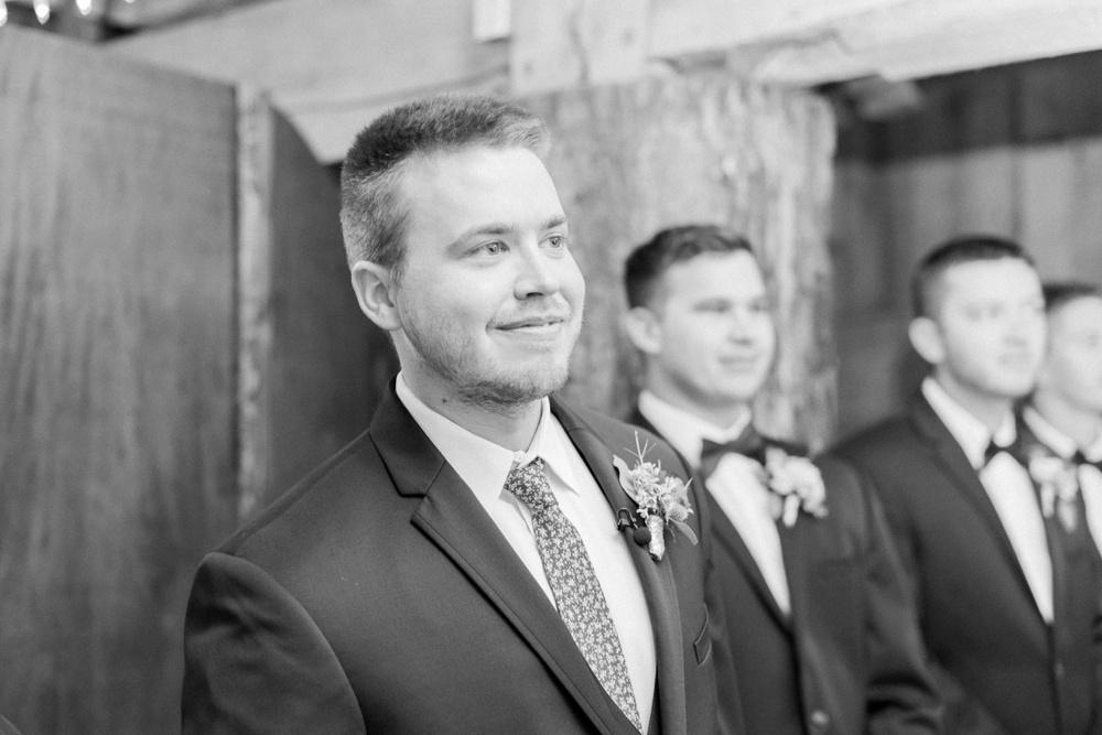 blessings-farmstead-wedding-lancaster-ohio-whitney-colby_0100.jpg