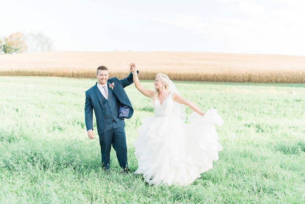 blessings-farmstead-wedding-lancaster-ohio-whitney-colby_0147.jpg