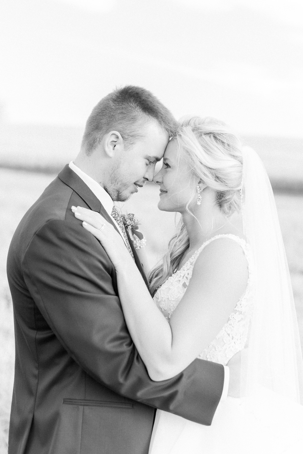 blessings-farmstead-wedding-lancaster-ohio-whitney-colby_0149.jpg