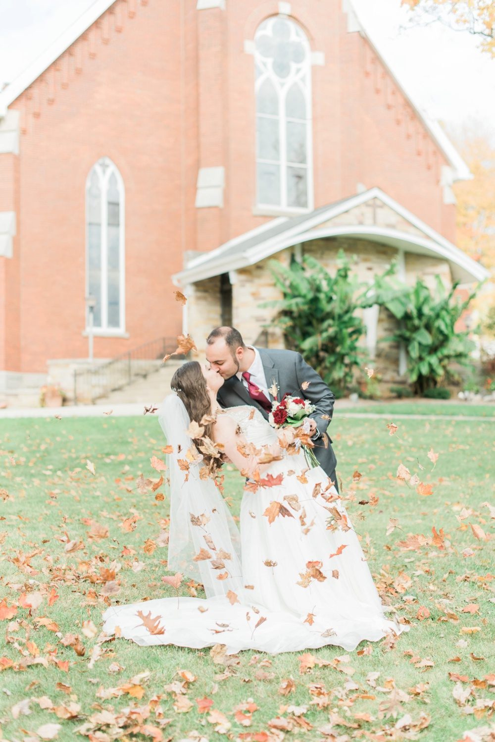 ricciardis-tree-farm-wedding-wadsworth-ohio-lauren-ryan_0046.jpg