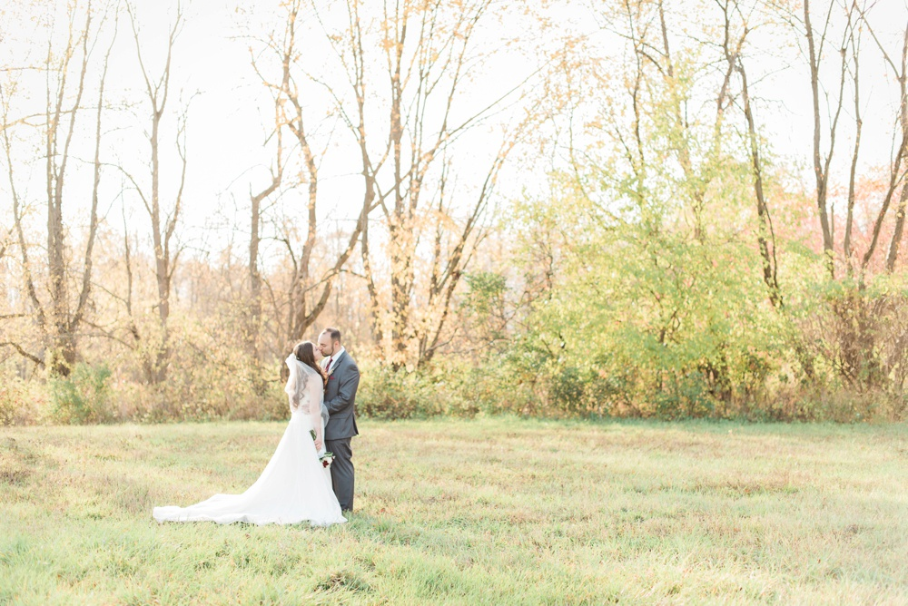 ricciardis-tree-farm-wedding-wadsworth-ohio-lauren-ryan_0083.jpg