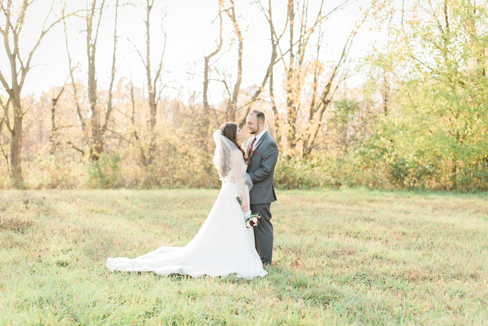 ricciardis-tree-farm-wedding-wadsworth-ohio-lauren-ryan_0084.jpg
