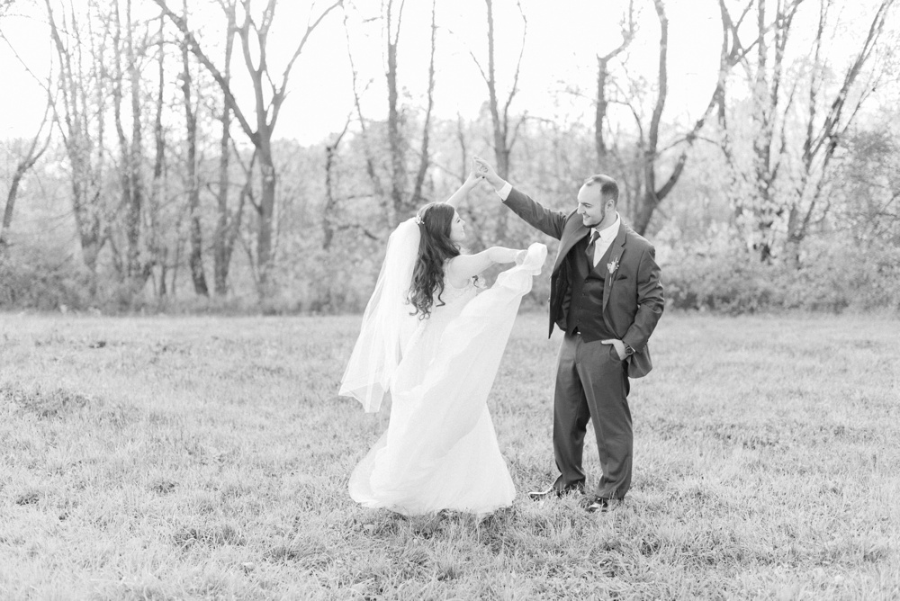 ricciardis-tree-farm-wedding-wadsworth-ohio-lauren-ryan_0091.jpg