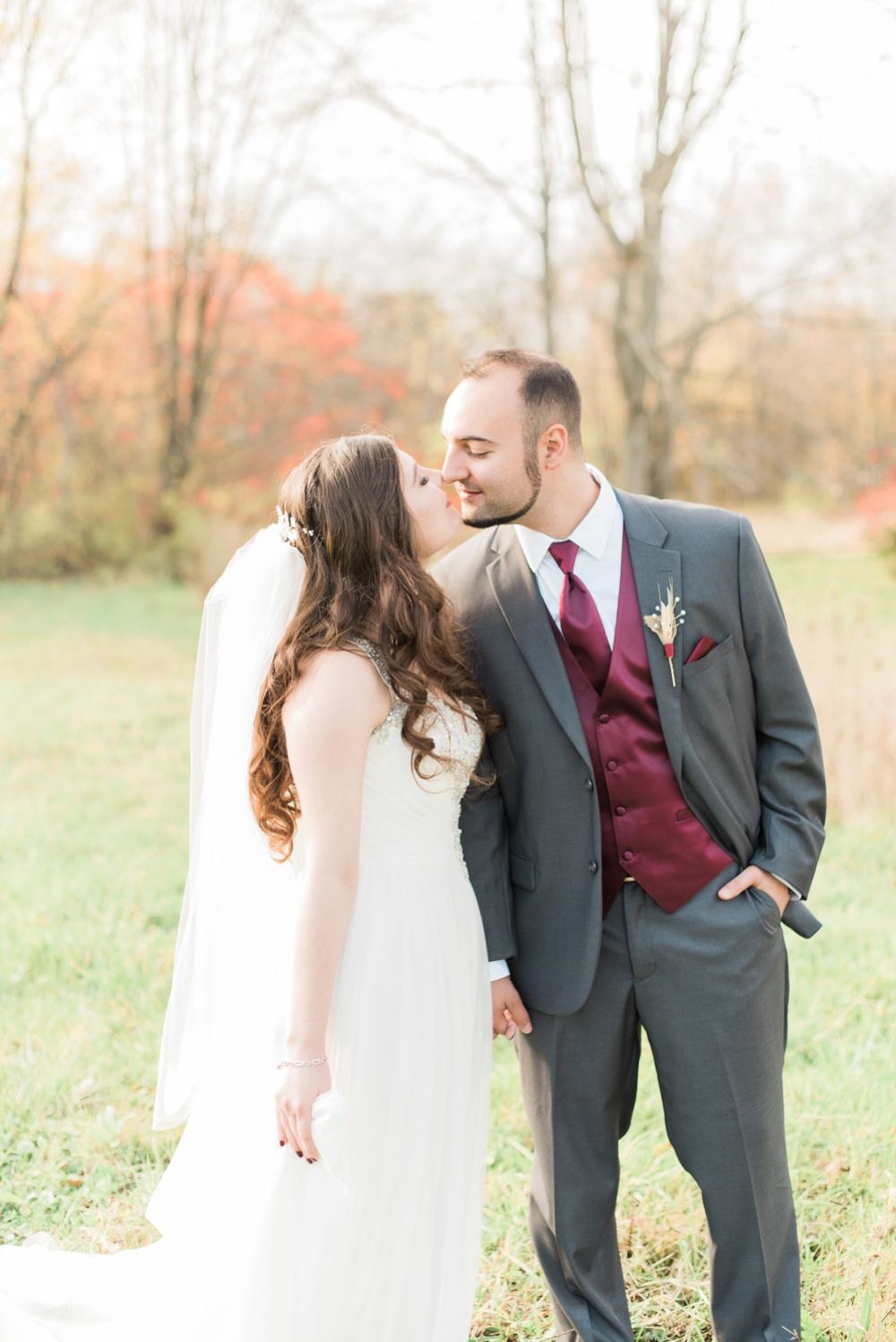 ricciardis-tree-farm-wedding-wadsworth-ohio-lauren-ryan_0095.jpg