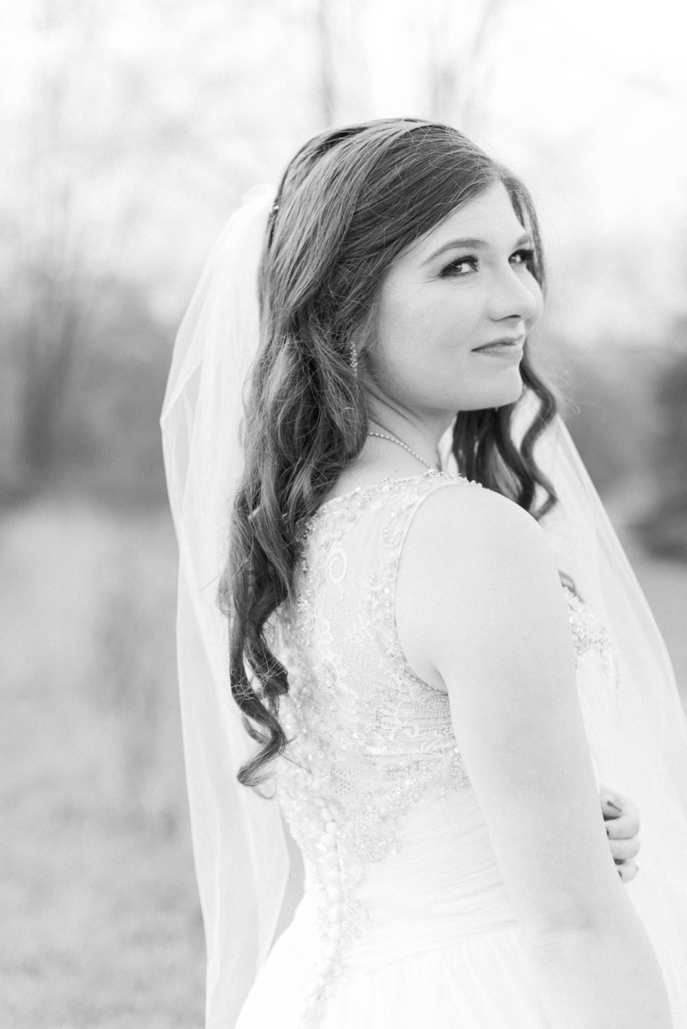 ricciardis-tree-farm-wedding-wadsworth-ohio-lauren-ryan_0106.jpg