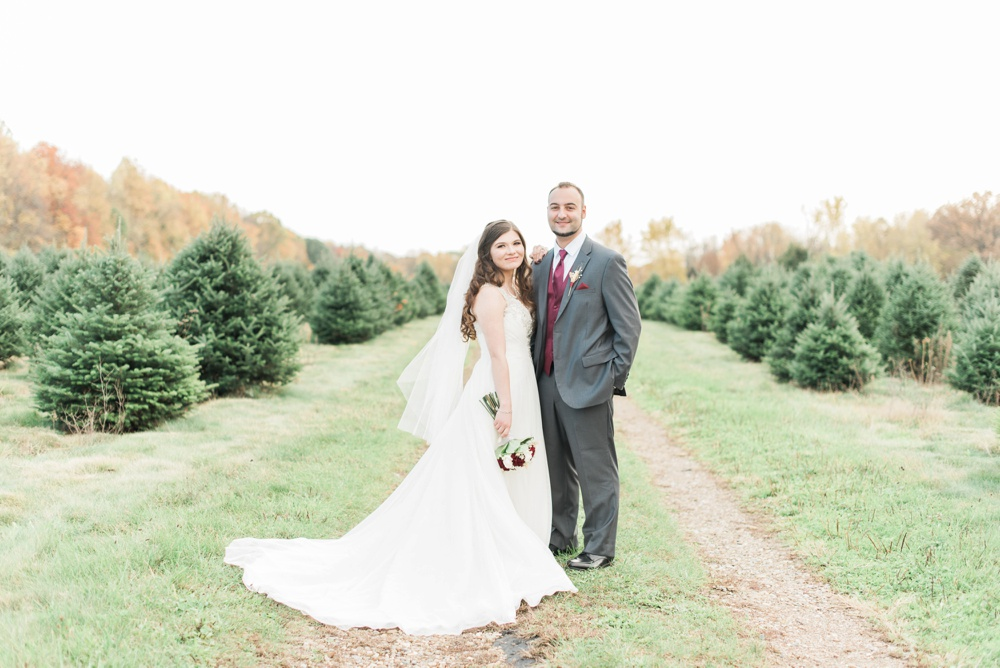 ricciardis-tree-farm-wedding-wadsworth-ohio-lauren-ryan_0119.jpg