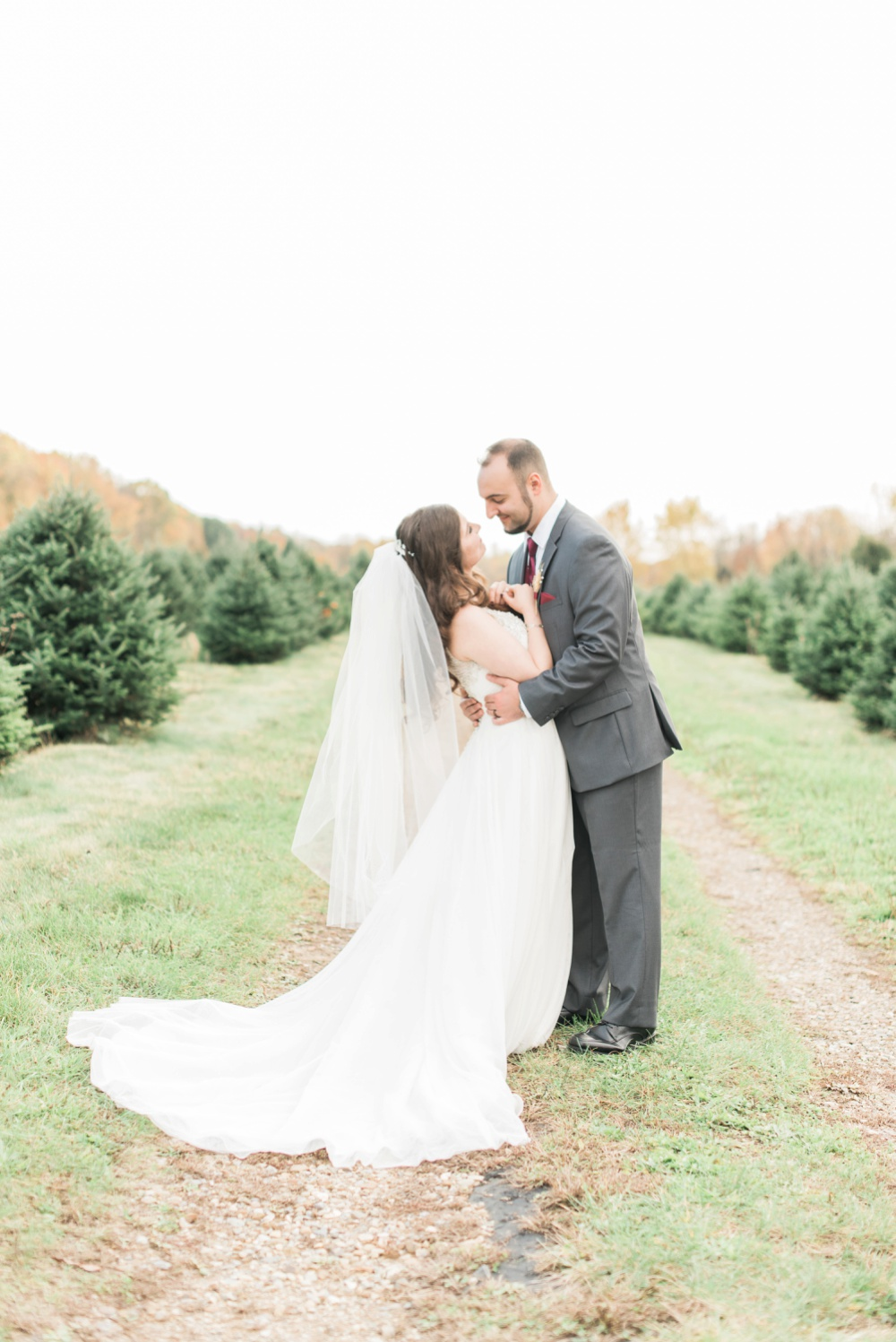 ricciardis-tree-farm-wedding-wadsworth-ohio-lauren-ryan_0127.jpg