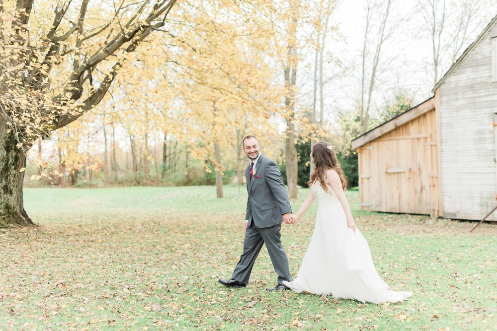 ricciardis-tree-farm-wedding-wadsworth-ohio-lauren-ryan_0139.jpg
