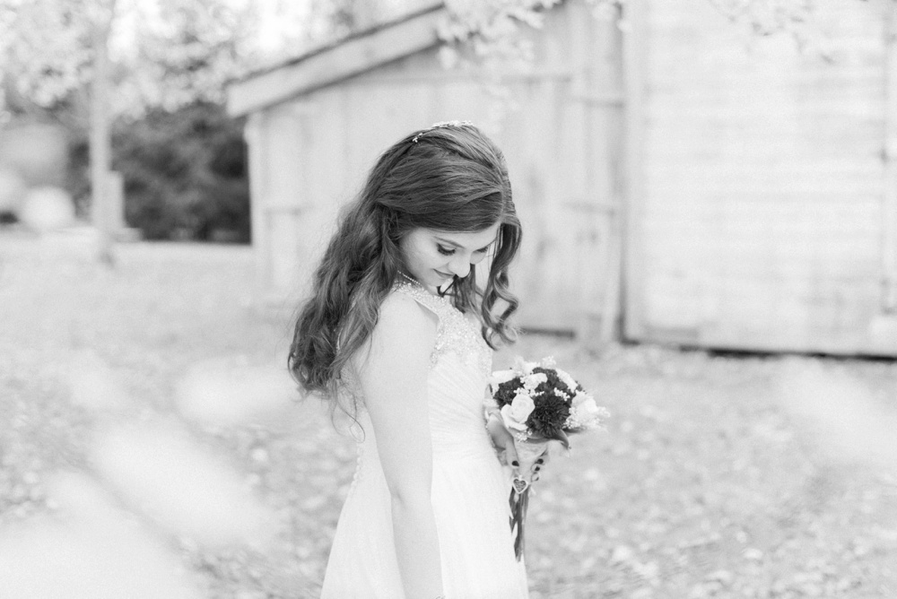 ricciardis-tree-farm-wedding-wadsworth-ohio-lauren-ryan_0146.jpg