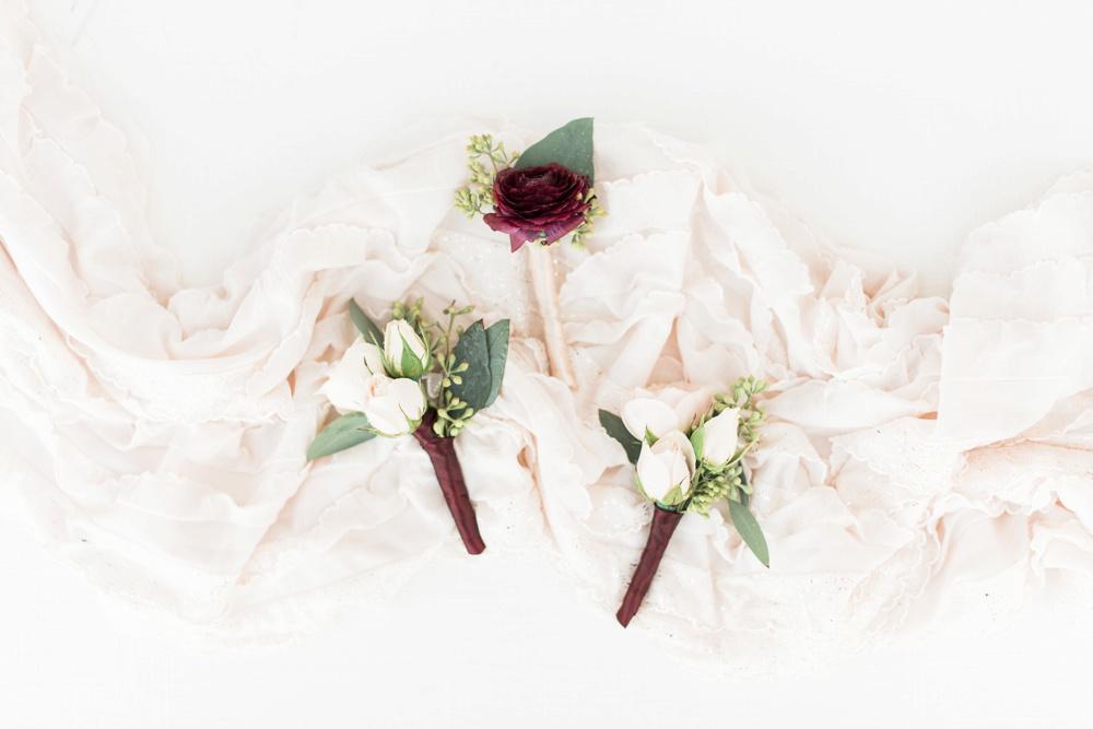brookshire-delaware-ohio-december-wedding_0007.jpg