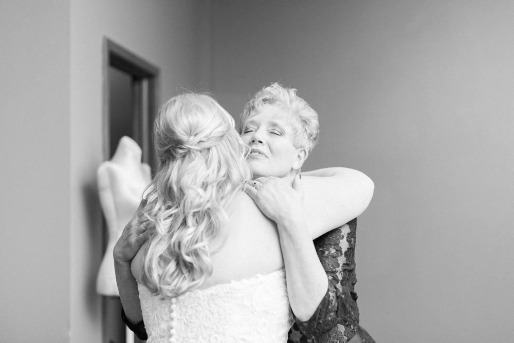 brookshire-delaware-ohio-december-wedding_0015.jpg