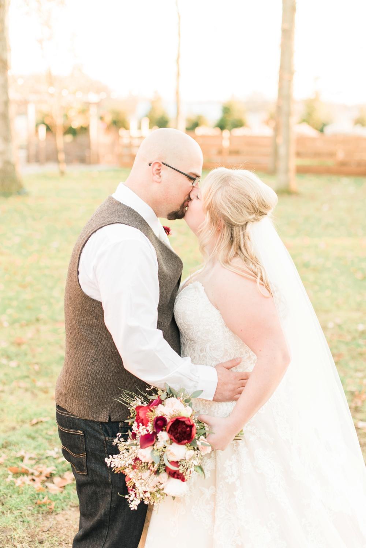 brookshire-delaware-ohio-december-wedding_0043.jpg