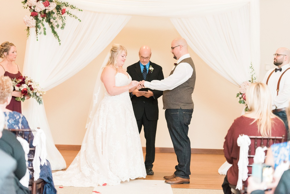 brookshire-delaware-ohio-december-wedding_0085.jpg
