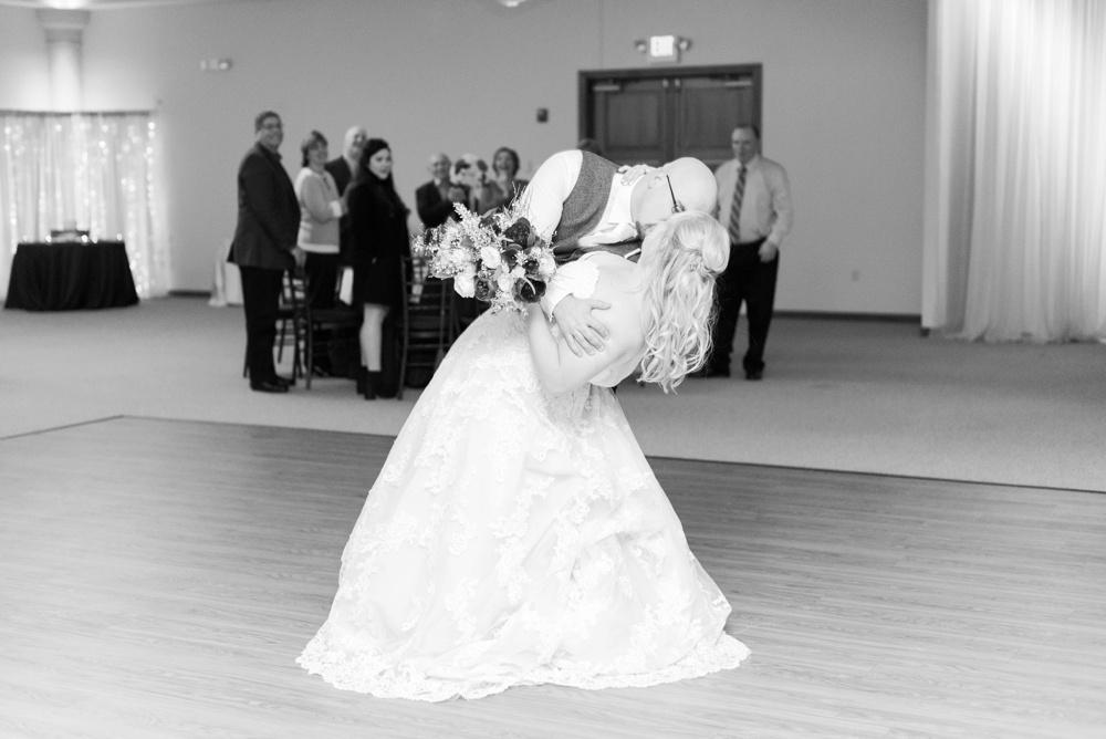 brookshire-delaware-ohio-december-wedding_0102.jpg