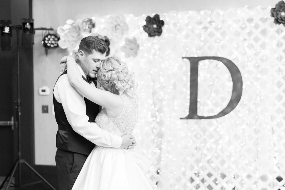 shawnee-lodge-state-park-wedding-portsmouth-ohio_0106.jpg