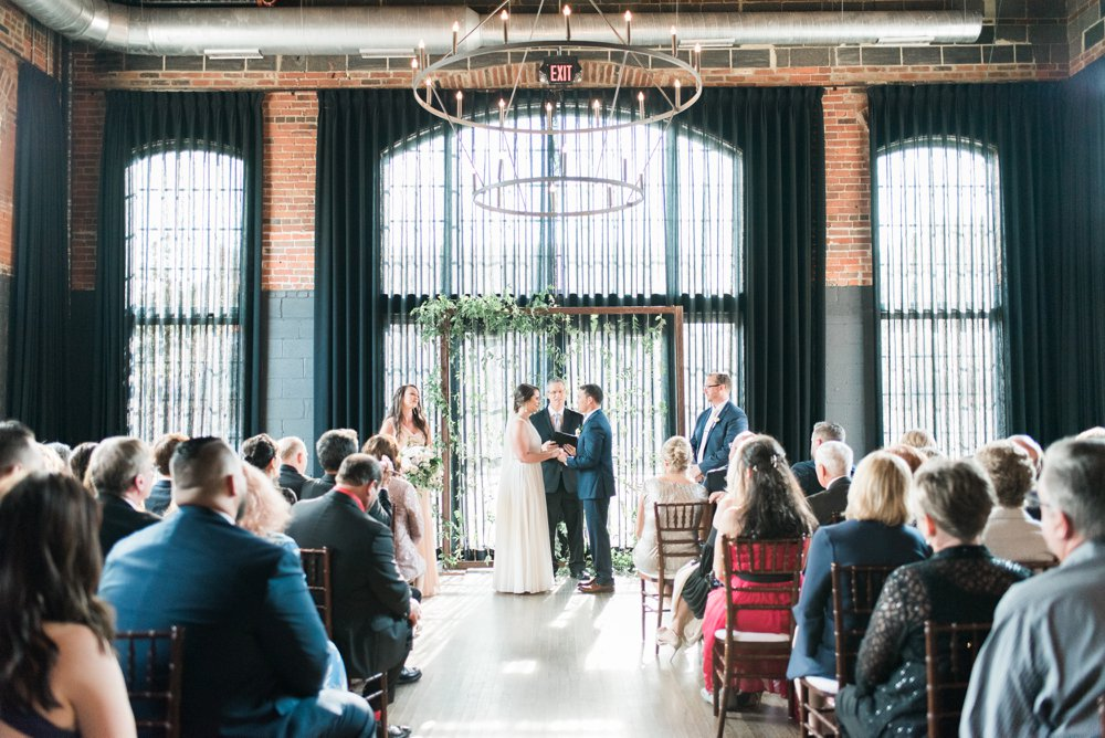 high-line-car-house-wedding-columbus-ohio-phootographer_0097.jpg