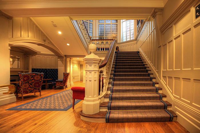 MPA----Bishops-Gate-Hotel-Before-Restoration-003.jpg