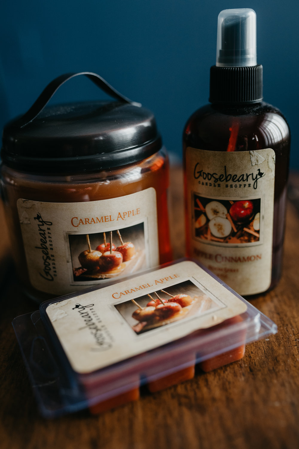 Day 3: Win these handmade goodies from the amazing Goosebeary Candle Shoppe! This is one of our favorite scents and we think you'll love it too! Included: Large jar candle, wax melts and room spray!