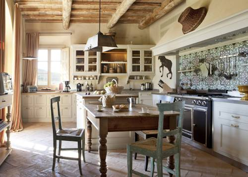 The truest of farm style kitchens