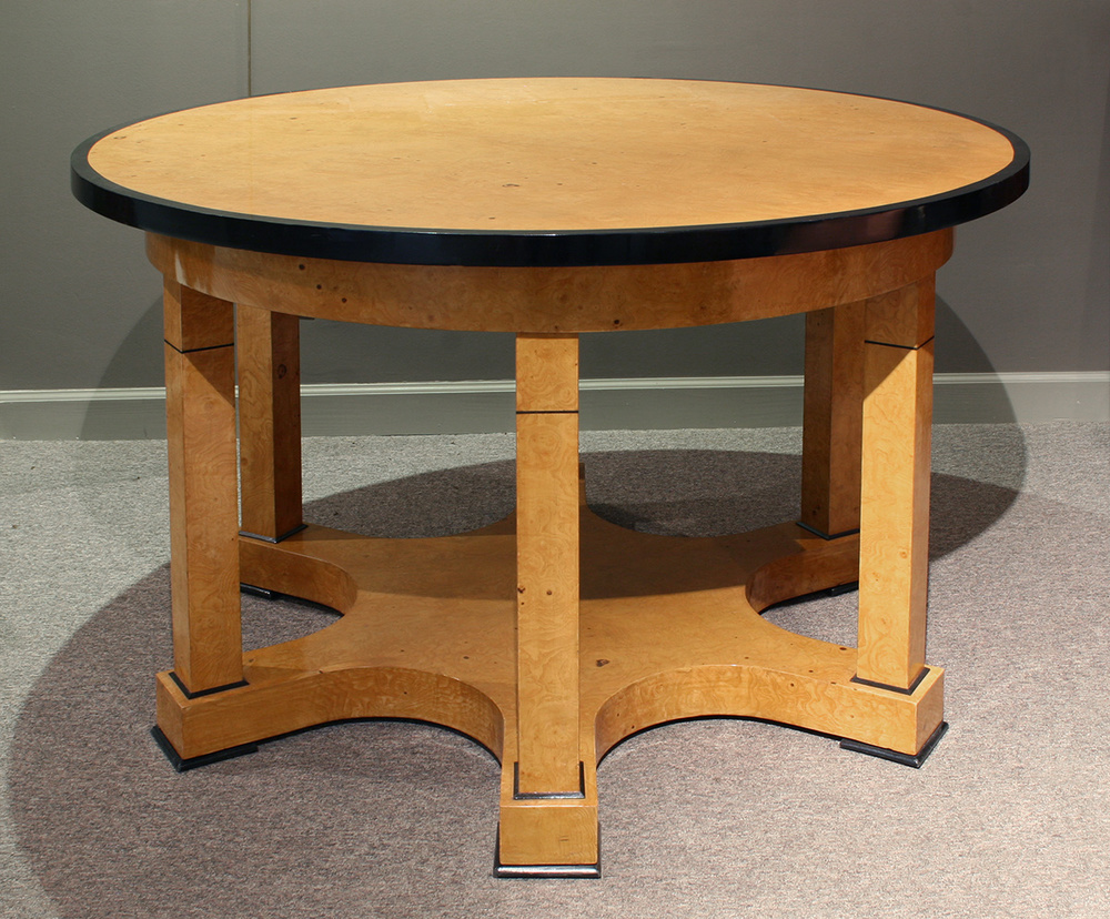 biedermeier_inspiered_table.jpg