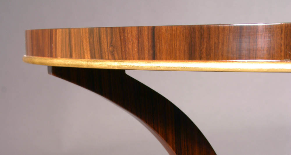 Example of oil gilded trim