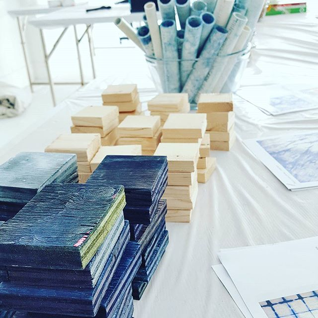 A shot from our #shibori #dye #workshop using natural #indigo with @lululemonsf and @ohhappydaypartyshop ! We had a blast sharing techniques and working with so many #creative people!