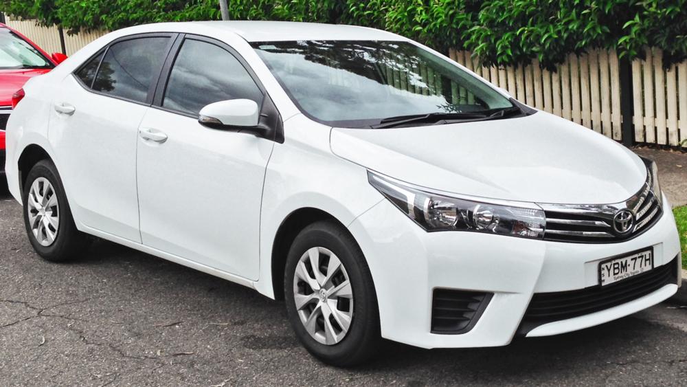 2014_Toyota_Corolla_(ZRE172R)_Ascent_sedan_(2014-04-11).jpg